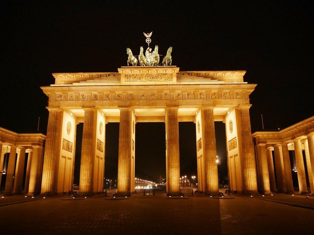brandenburg gate, berlin, historically