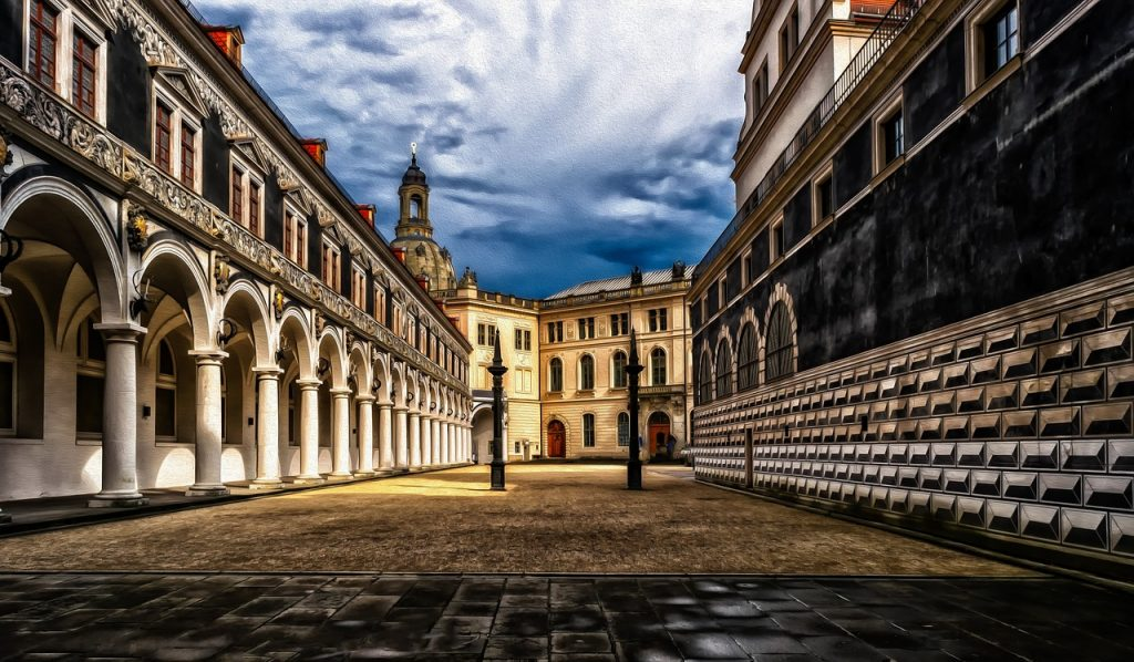 dresden, castle, courtyard