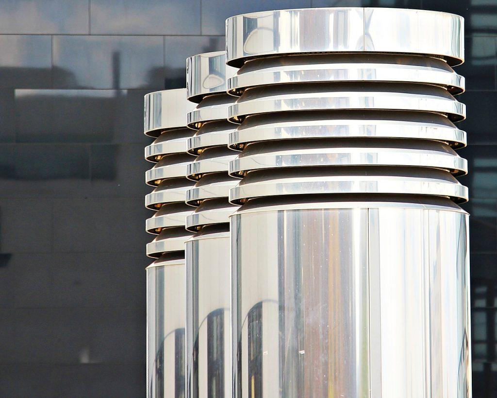 columnar, three pillars, chrome