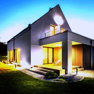 Beleuchtetes Haus
